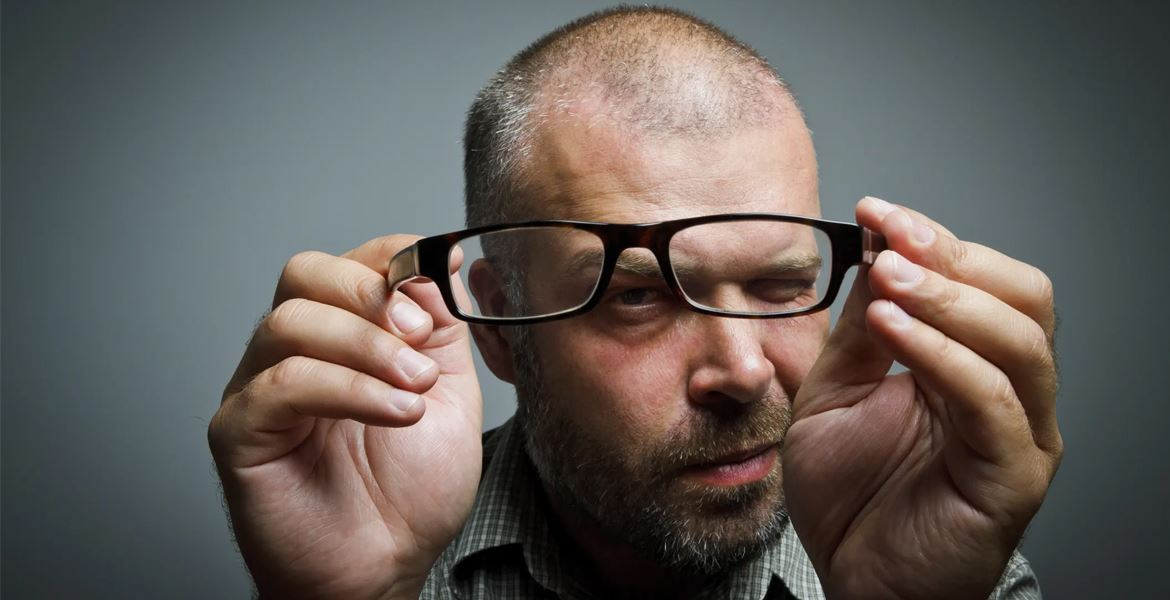 Buying Glasses Doesn't Have to Be Hard Read These 7 Tips